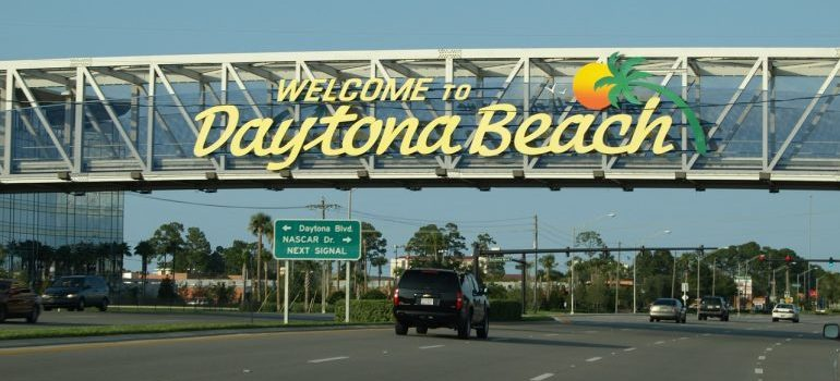 a Daytona Beach sign